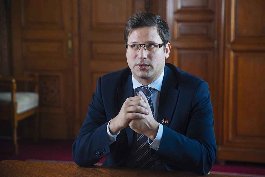 Gulyás Gergely: jelentős politikai kérdésben, jelentős ...